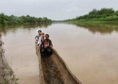 See Us guide and clients in Suri Omo River